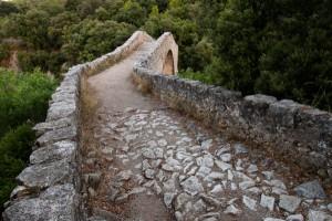 Medieval bridge in la Garrotxa | Walking holidays in Spain