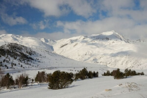 Snowshoeing holidays in the Catalan Pyrenees