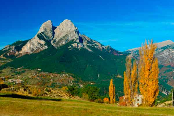 Berguedà | Walking in the Pyrenees