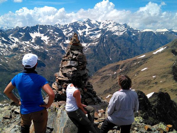 weekend hiking in andorra